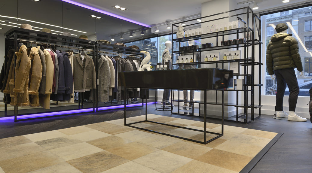 Interieurbouw bij een kledingwinkel for Intercity kleding